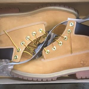 Timberland wheat Nubuck construction boots